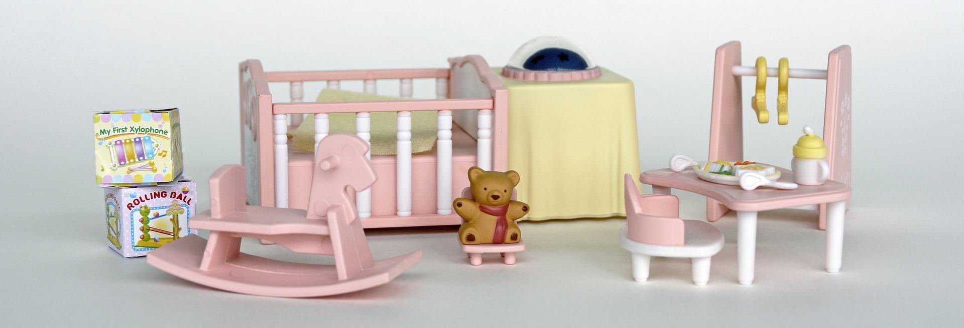 Puppenzimmer mit Schaukelpferd